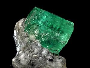 cristal d'émeraude sur gangue (Colombie)